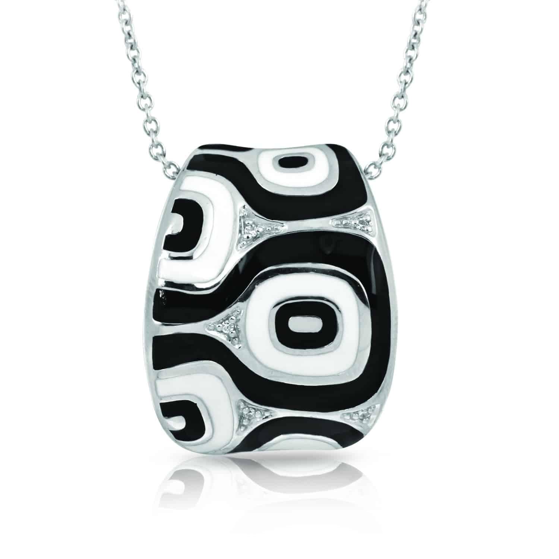 Belle Étoile Moda Black and White Pendant