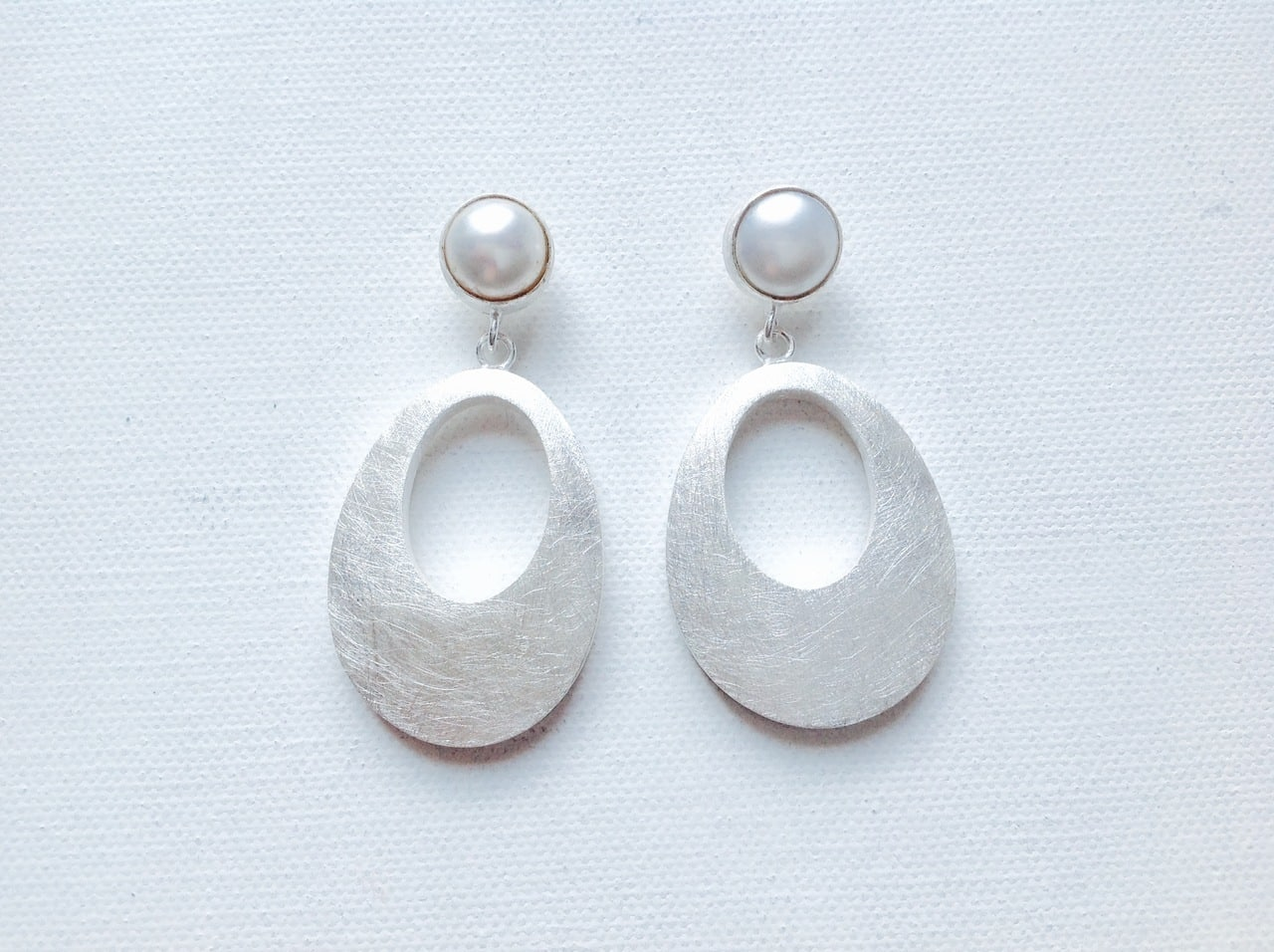 Sterling Silver Fresh Water Pearl Oval Earrings