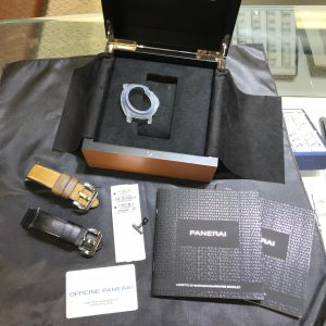 SOLD – Mens' Panerai Luminor Pam1000